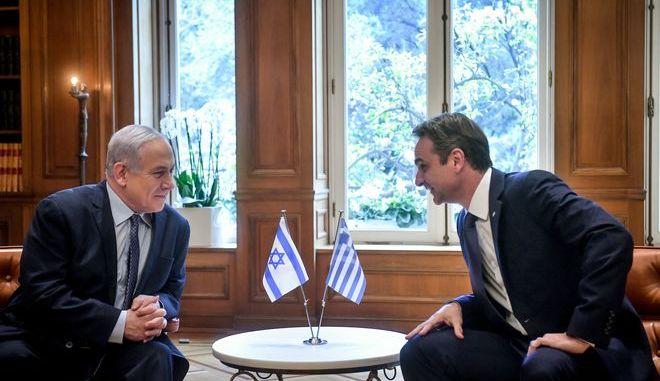 Στιγμιότυπο από την συνάντηση του πρωθυπουργού Κυριάκου Μητσοτάκη με τον Ισραηλινό ομόλογο του Μπέντζαμιν Νετανιάχου ,Πέμπτη 2 Ιανουαρίου 2020 (EUROKINISSI/ΤΑΤΙΑΝΑ ΜΠΟΛΑΡΗ)
