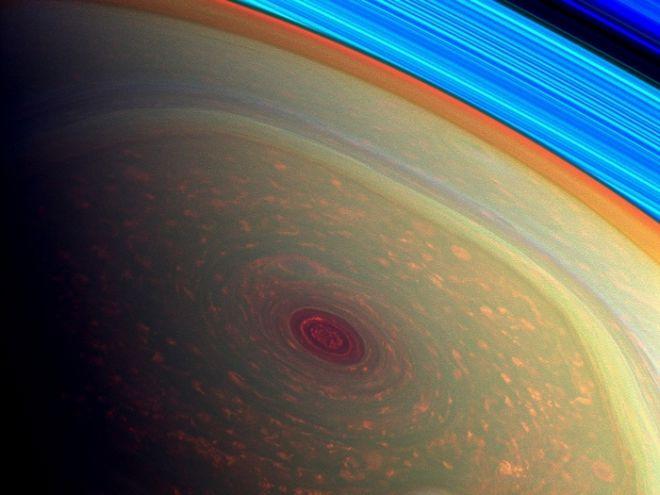 Συγκλονιστικές εικόνες: Γιγάντιος κυκλώνας στον Κρόνο