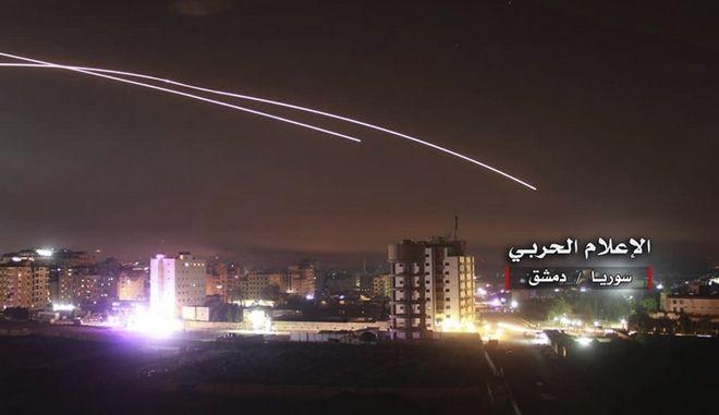 Αεροπορικές επιδρομές κοντά στη Δαμασκό