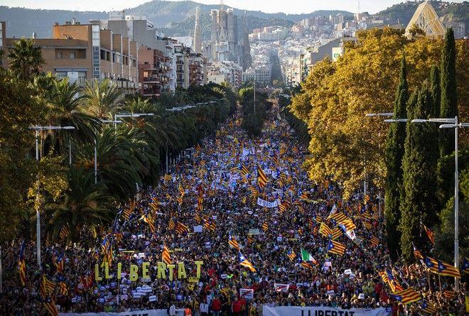 Εικόνα από την διαδήλωση στη Βαρκελώνη για την ανεξαρτησία της Καταλονίας
