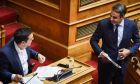 Ο πρωθυπουργός Αλέξης Τσίπρας και ο αρχηγός της αξιωματικής αντιπολίτευσης Κυριάκος Μητσοτάκης στη Βουλή