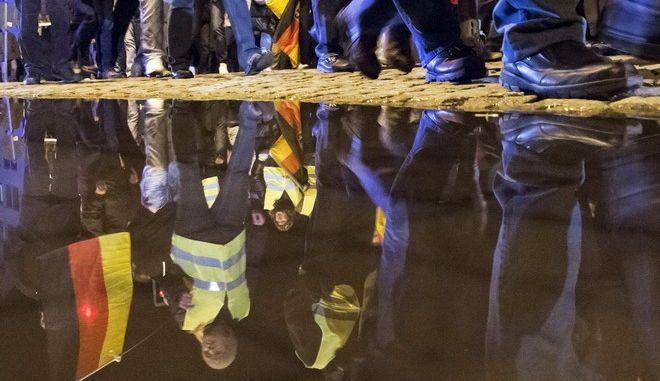 'Κόλαση' η Κολωνία: Συνεδριάζουν οι ακροδεξιοί του AfD