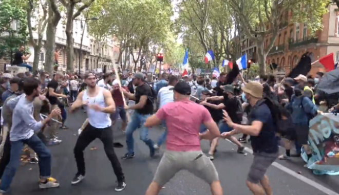 Επεισόδια στη Γαλλία κατά του υγειονομικού πιστοποιητικού