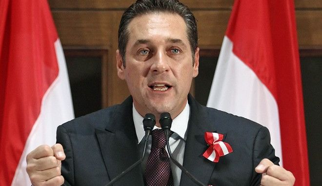Head of Austrian Freedom Pary (FPOe) Heinz-Christian Strache delivers a speech to outline the party's political priorities ahead of Austria's 2013 general election, in Vienna October 24, 2012. REUTERS/Heinz-Peter Bader  (AUSTRIA - Tags: POLITICS)