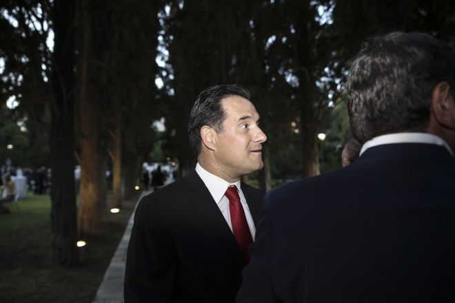 Reception for the 42nd anniversary of the restoration of Democracy in the garden of the Presidential Palace, in Athens, on July 24, 2016 /     42           ,  ,  24 , 2016