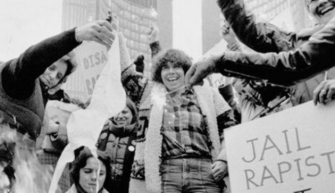 Μηχανή του Χρόνου: Οι φεμινίστριες δεν έκαψαν ποτέ τα σουτιέν τους