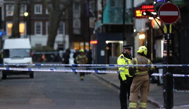 Αποκλεισμένη περιοχή στο Λονδίνο μετά από εντοπισμού ύποπτου πακέτου