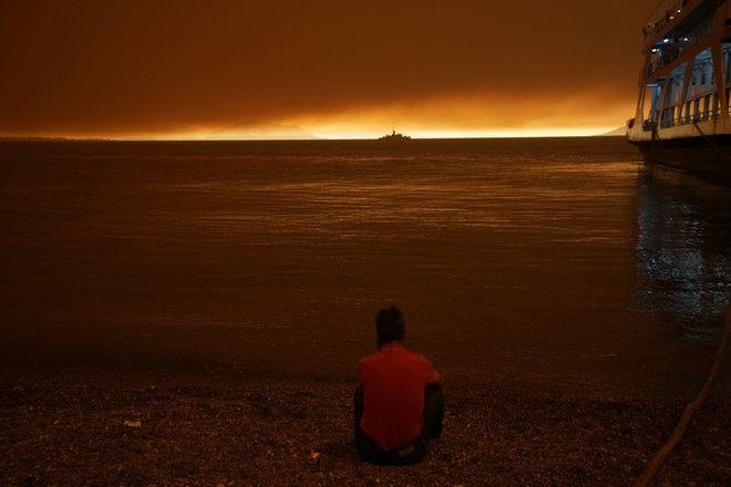 Εικόνες καταστροφής στο Πευκί στην Εύβοια