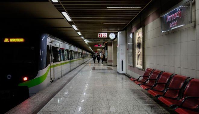 Θετικός στον κορονοϊός οδηγός του μετρό. Δεν ήρθε σε επαφή με επιβάτες.