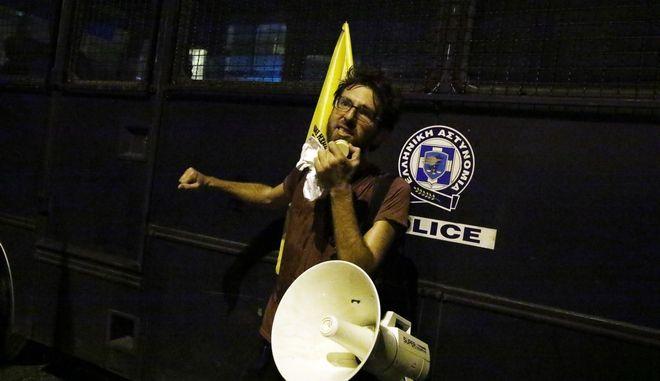"""Αντιφασιστικό συλλαλητήριο με συγκέντρωση στο Σύνταγμα και πορεία από τη Βουλή στα κεντρικά γραφεία της Χρυσής Αυγής στη λεωφόρο Μεσογείων με κεντρικό σύνθημα """"Κλείστε τα γραφεία των νεοναζί"""", το Σάββατο 16 Σεπτεμβρίου 2017. (EUROKINISSI/ΓΙΩΡΓΟΣ ΚΟΝΤΑΡΙΝΗΣ)"""