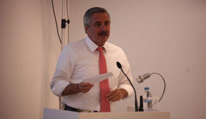 """Ο Υπουργός ΠΕΚΑ Γιάννης Μανιάτης, εισηγητής στην εκδήλωση του ΙΣΤΑΜΕ με θέμα: """"Προοδευτικές Πολιτικές στον Τομέα της Ενέργειας - μια ευκαιρία για την Σοσιαλδημοκρατία"""", Τετάρτη 1 Οκτωβρίου 2014. (EUROKINISSI/ΑΛΕΞΑΝΔΡΟΣ ΖΩΝΤΑΝΟΣ)"""