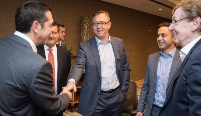 Ο Τσίπρας, οι επενδυτές και το ελληνικό come back