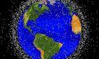 """Διαστημικά σκουπίδια: Δορυφόροι """"ζόμπι"""" και θραύσματα σε τροχιά γύρω από τη Γη"""