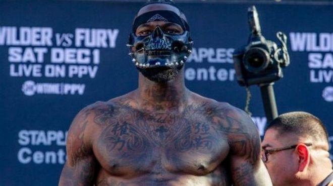 Τιτανομαχία Fury - Wilder: Άρχισε με μάσκα Hannibal αλλά έληξε ισόπαλη
