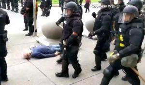 Νέα Υόρκη: Αθώοι δηλώνουν οι αστυνομικοί που χτύπησαν τον 75χρονο