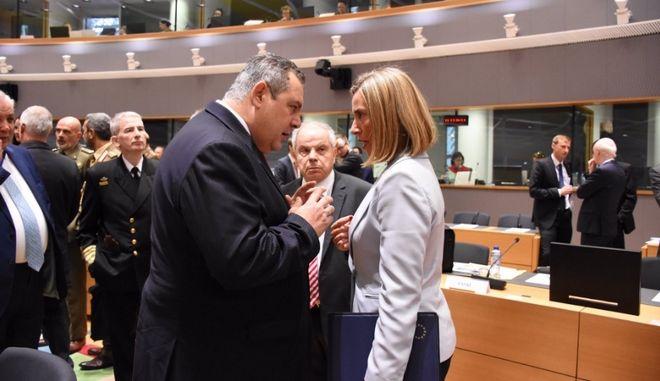 Καμμένος: Η σύλληψη των δύο Ελλήνων αφορά και τις σχέσεις ΕΕ - Τουρκίας