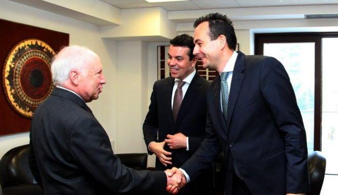 Σκοπιανό: Τέλος ο Ναουμόφσκι από τις διαπραγματεύσεις με Νίμιτς