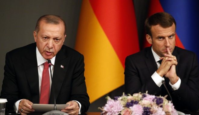 Ο Γάλλος πρόεδρος Εμανουέλ Μακρόν και ο Ρετζέπ Ταγίπ Ερντογάν