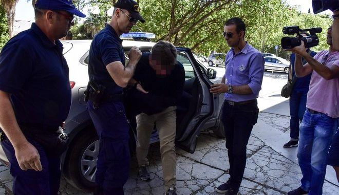 Στον εισαγγελέα Ναυπλίου ο 44χρονος χειριστής του φουσκωτού σκάφους που έπεσε πάνω σε αλιευτικό στο Πόρτο Χέλι και σκότωσε δυο ανθρώπους.