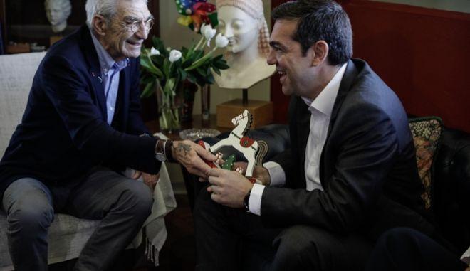 Ο πρωθυπουργός Αλέξης Τσίπρας κατά τη συνάντηση με το δήμαρχο Θεσσαλονίκης Γιάννη Μπουτάρη στις 25 Μαϊου του 2018