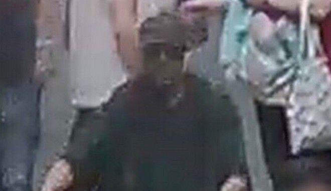 Ο άνδρας που αναζητείται από τις αρχές για την έκρηξη στη Λιόν
