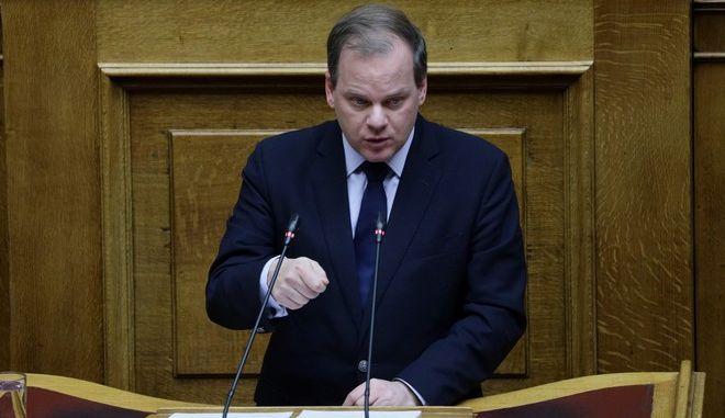 """Συζήτηση και ψήφιση των άρθρων και του συνόλου του σχεδίου νόμου: """"Επενδύω στην Ελλάδα και άλλες διατάξεις"""" στην Ολομέλεια της Βουλής την Πέμπτη 24 Οκτωβρίου 2019."""