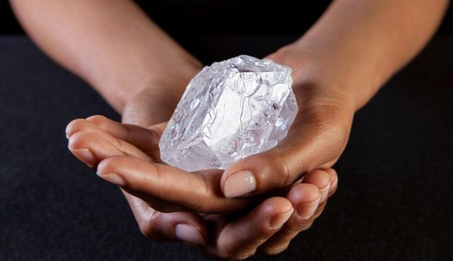 Lesedi la Rona: Το γιγάντιο διαμάντι αξίας άνω των 70 εκατ. δολαρίων