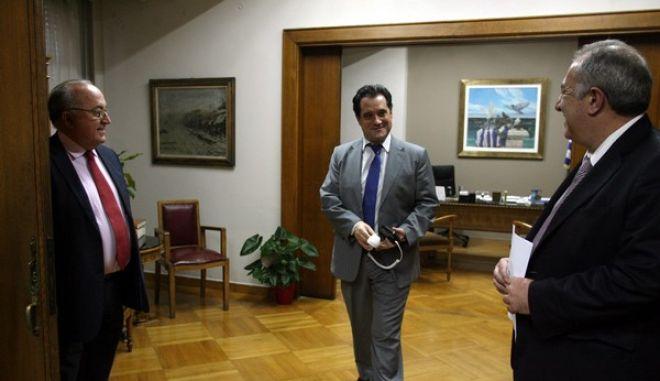 Στιγμιότυπο από την συνάντηση του Υπουργού Υγείας 'Αδωνι Γεωργιάδη με τους γιατρούς του ΕΟΠΥΥ,Παρασκευή 20 Δεκεμβρίου 2013  (EUROKINISSI/ΤΑΤΙΑΝΑ ΜΠΟΛΑΡΗ)