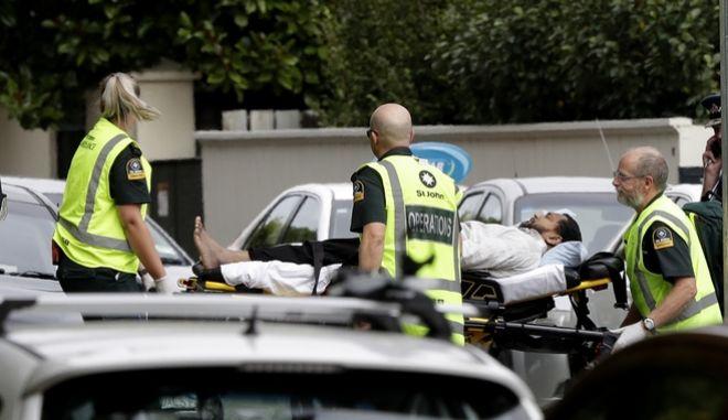 Ασύλληπτο μακελειό σε δύο τζαμιά στο Christchurch - Δεκάδες νεκροί