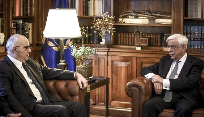 Συνάντηση του  Προέδρου της Δημοκρατίας, Προκόπη Παυλόπουλου με τον πρόεδρο και το προεδρείο της Ελληνικής Ένωσης Τραπεζών, την Τρίτη 13 Φεβρουαρίου 2018. (EUROKINISSI/ΤΑΤΙΑΝΑ ΜΠΟΛΑΡΗ)