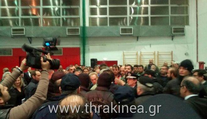 Αλεξανδρούπολη: Αγρότες και κτηνοτρόφοι επιτέθηκαν σε υπουργούς και βουλευτές
