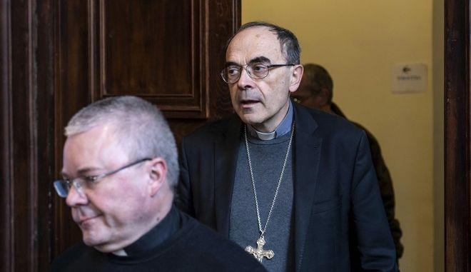 Ο Γάλλος καρδινάλιος Φιλίπ Μπαρμπαρέν στη Λιόν μετά την καταδίκη του