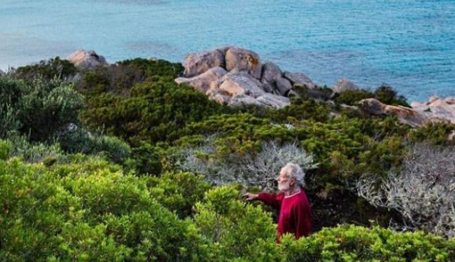 """""""Με απειλούν """": Ο Ιταλος 'Ροβινσώνας Κρούσος' φεύγει για πάντα από το νησί του"""