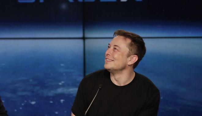 Ο Έλον Μασκ είναι μηχανικός, εφευρέτης και επενδυτής, είναι ο γενικός διευθυντής και επικεφαλής τεχνολογίας για την εταιρεία SpaceX (AP Photo/John Raoux, File)
