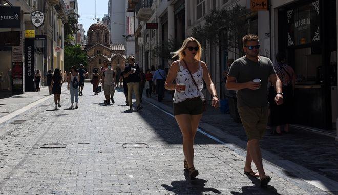 Κορονοϊός: 2046 κρούσματα σήμερα στην Ελλάδα - 33 νεκροί και 331 διασωληνωμένοι