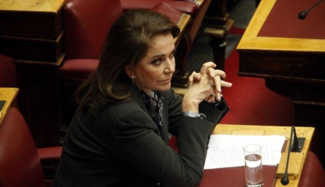 Συζήτηση στην Βουλή για το νέο φορολογικό νομοσχέδιο την Παρασκευή 11 Ιανουαρίου 2013. Στο στιγμιότυπο η βουλευτλής της ΝΔ Ντόρα Μπακογιάννη.  (EUROKINISSI/ΓΙΩΡΓΟΣ ΚΟΝΤΑΡΙΝΗΣ)