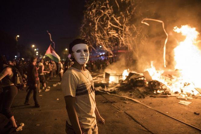 Διαδηλωτής με μάσκα, Σαντιάγο, Χιλή