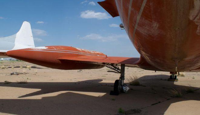 Θα το αγοράσεις; Σε δημοπρασία το αεροσκάφος του Έλβις Πρίσλεϊ! (photos)