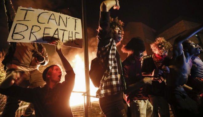 Νύχτες επεισοδίων στις ΗΠΑ έπειτα από τη δολοφονία του Τζορτζ Φλόιντ