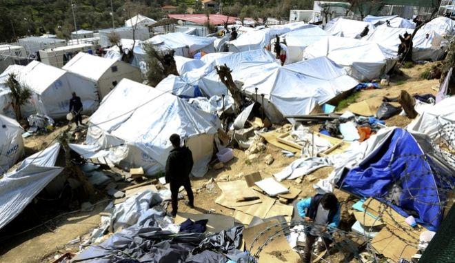 Μυτιλήνη: Σε απεργία πείνας προχώρησαν 12 πρόσφυγες στη Μόρια