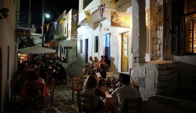 Σοκάκι σε νησί της Ελλάδας.