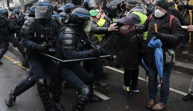 Επεισόδια με αστυνομικούς στη Γαλλία (φωτογραφία αρχείου)