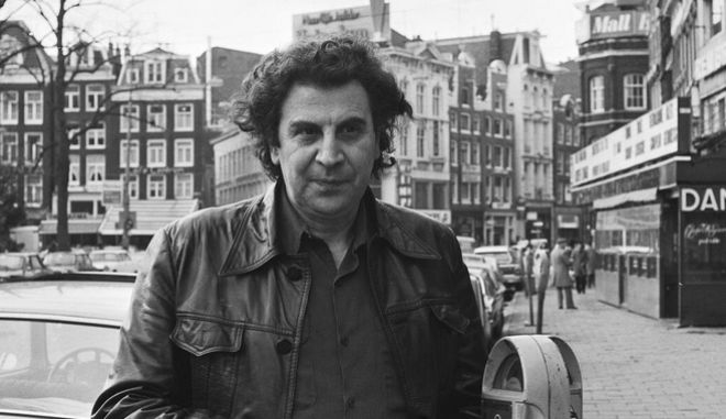 2FX5XJF 2FX5XJF Greek composer/conductor (in Amsterdam) Mikis Theodorakis at Rembrandtplein, January 30, 1978, composers, The Netherlands, 20th century press agency photo, news to remember, documentary, historic photography 1945-1990, visual stories, human history of the Twentieth Century, capturing moments in time