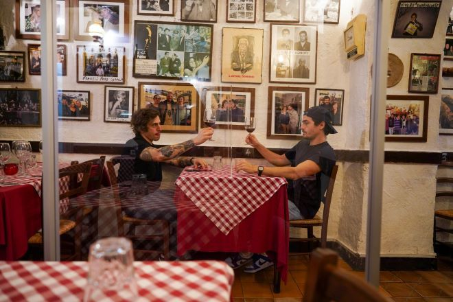 Εστιατόρια στην Ιταλία με διαχωριστικά πλεξιγκλάς