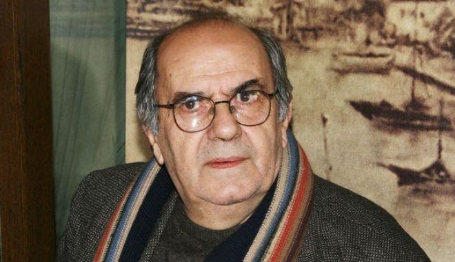 Πέθανε ο σκηνοθέτης Κώστας Κουτσομύτης