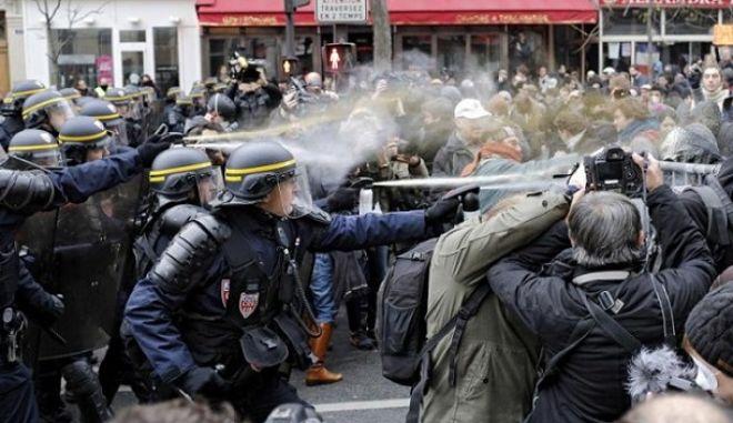 Γαλλία: Μαζική συμμετοχή και επεισόδια στις κινητοποιήσεις κατά των εργασιακών μεταρρυθμίσεων