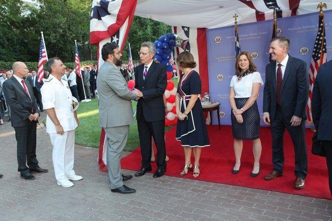 Δεξίωση του Αμερικανού Πρέσβη Τζέφρυ Πάιτ στην πρεσβευτική κατοικία για την εθνική εορτή των ΗΠΑ (Ημέρα Ανεξαρτησίας).