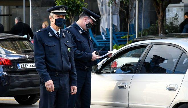 Έλεγχοι της αστυνομίας σε περίοδο lockdown