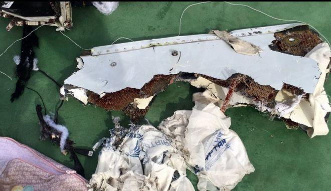Εισαγγελική έρευνα για 'ανθρωποκτονία εξ αμελείας' για τη συντριβή του Airbus της EgyptAir