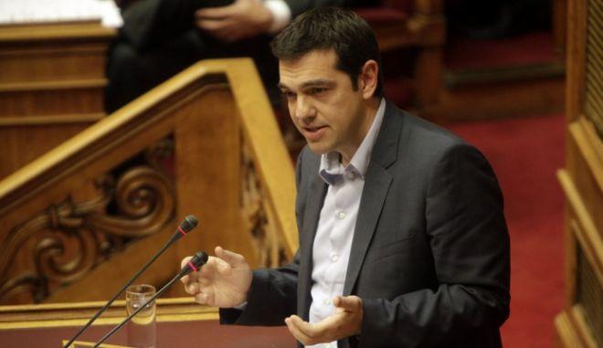 Ανοίγει και άλλο την ψαλίδα ο ΣΥΡΙΖΑ. Προβάδισμα 2,5 μονάδων από τη ΝΔ